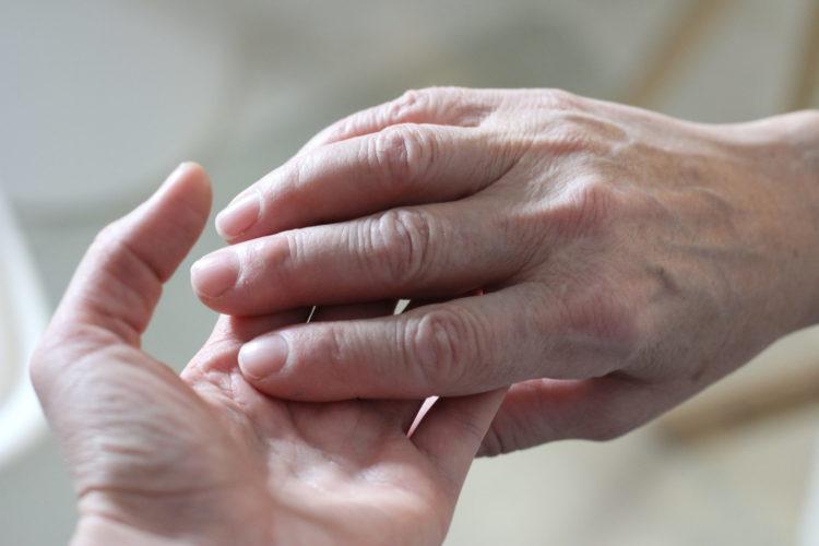 kosketus hoitotyö