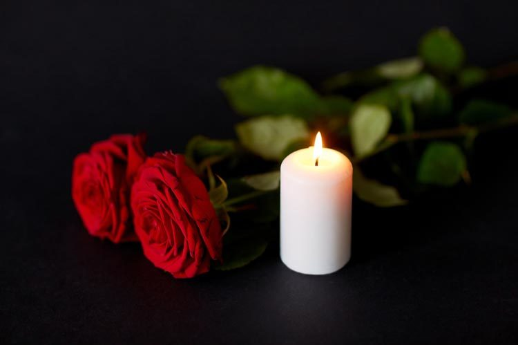 kuolema suru hoitaja