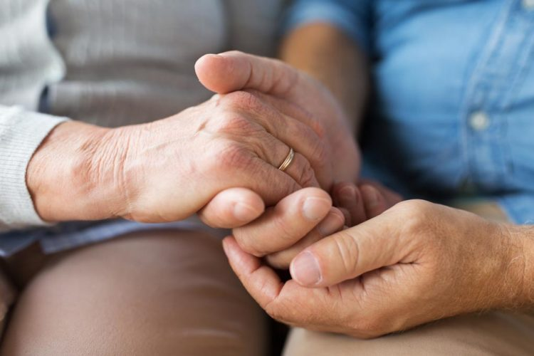 kosketus hoitotyössä