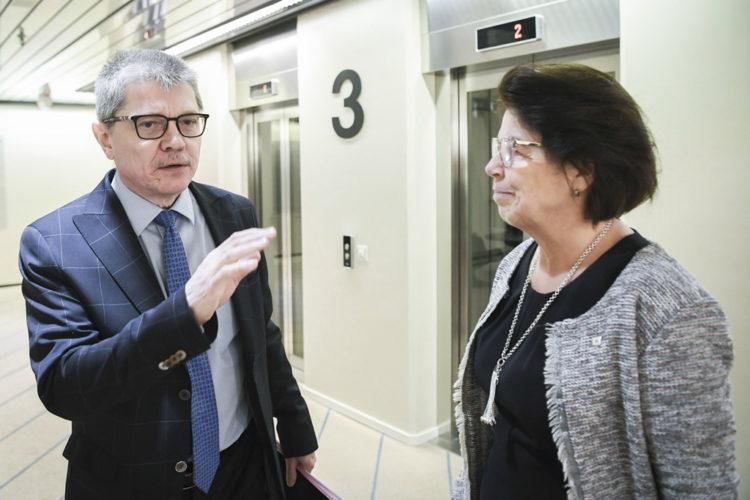 Kuntatyönantajien Markku Jalonen ja SuPerin Silja Paavola kohtasivat tänään Kuntatalolla.